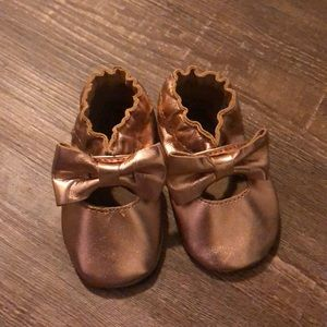 Robeez rose gold bow flats 0-6 months